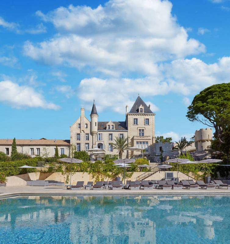 Superb chateau with swimming pool, Languedoc vineyard, Estate and Residence