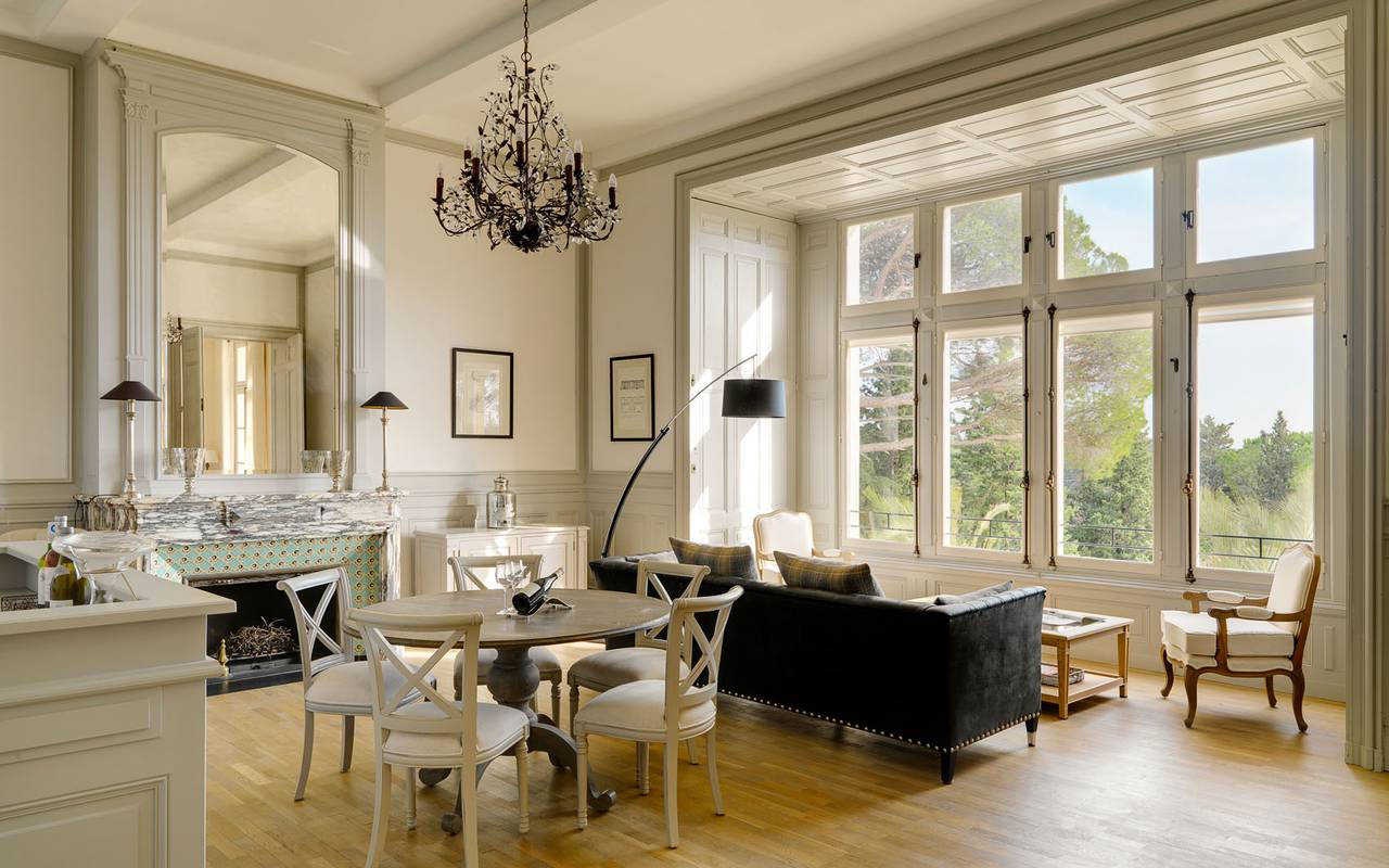 bright-living-room-rental-villa-languedoc-roussillon.jpg