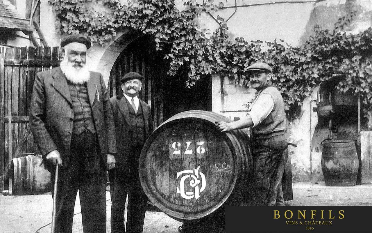 photo en noir et blanc, location maison languedoc roussillon, Domaine & Demeure
