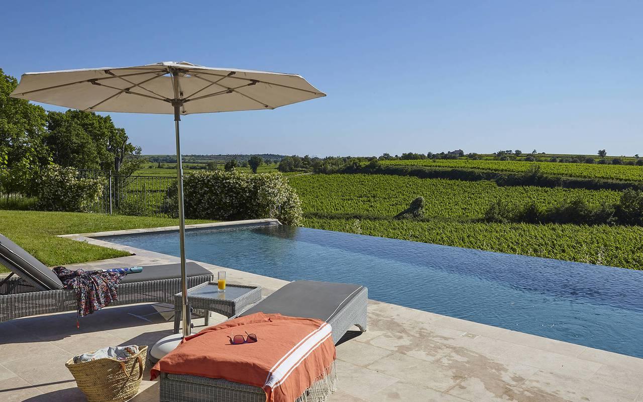 Piscine avec vue sur les vignes, hôtel spa herault, Domaine & Demeure