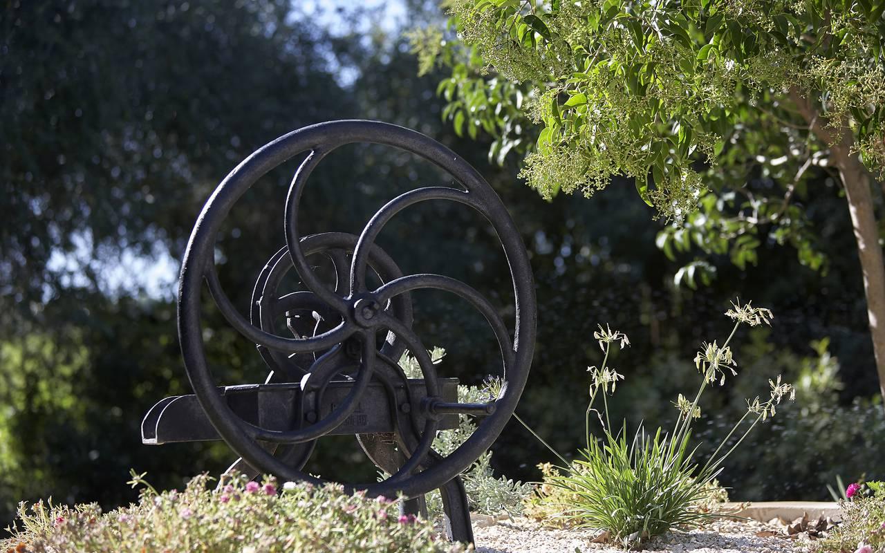 jardin décoré, location vacances occitanie, Domaine et Demeure